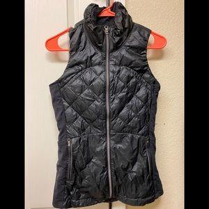 Lululemon down for a run vest. Black. Size 4